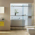 Thiết kế phòng tắm kính cửa lùa sang trọng