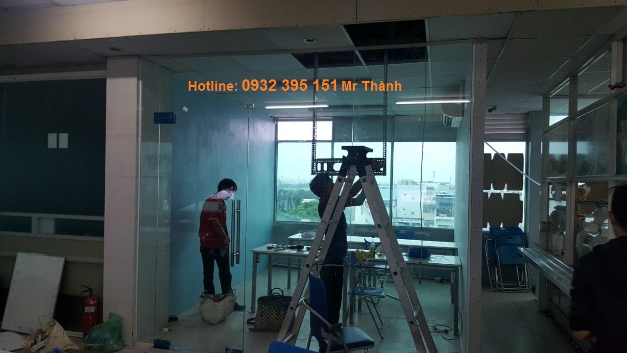 thi công cửa kính cường lực xếp trượt quận Phú Nhuận
