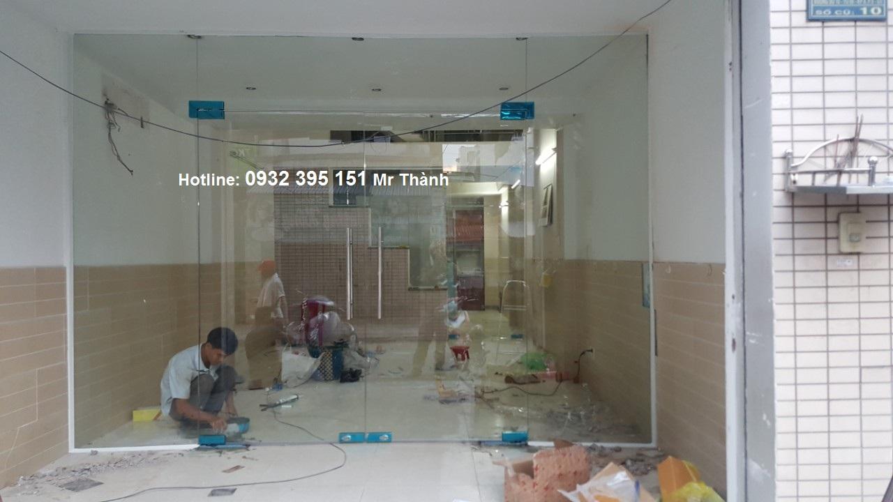 thi công báo giá cửa thủy lực 2 cánh tại quận Tân Bình