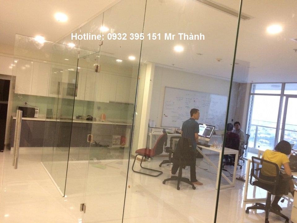 Thi công vách kính văn phòng quận Tân Bình