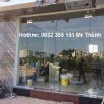 Thi công cửa kính cường lực cao cấp tại quận Tân Phú