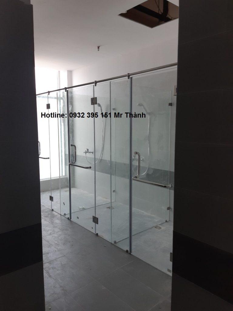 Thi công vách kính phòng tắm 180 độ quận Bình Thạnh