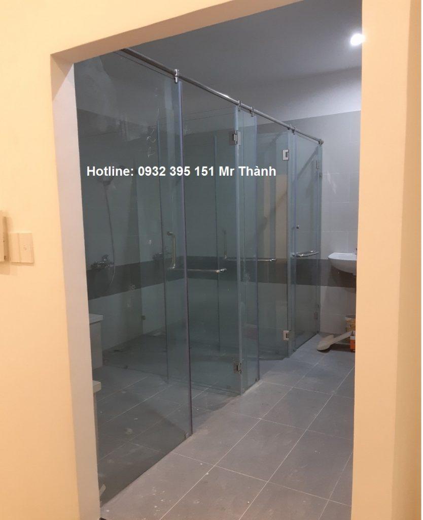 Thi công vách kính phòng tắm 180 độ quận Phú Nhuận