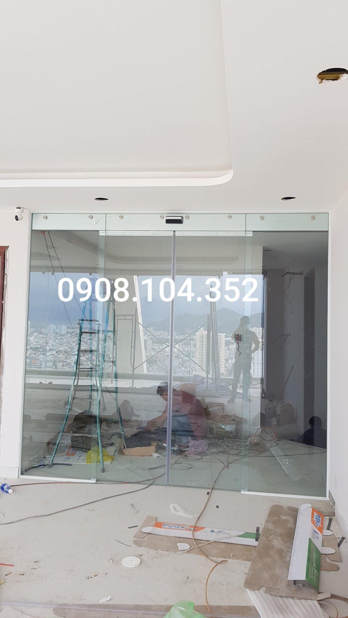 Lắp đặt cửa kính tự động giá tốt nhất HCM