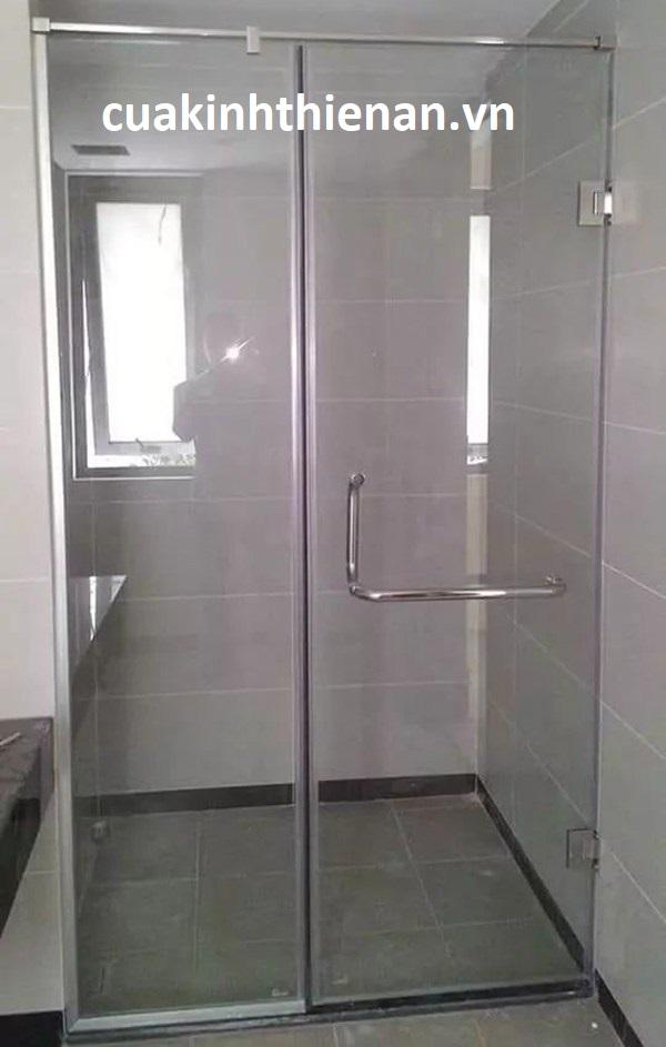 vách cửa kính phòng tắm