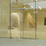 Cửa kính cường lực bản lề sàn tại quận 2 tphcm