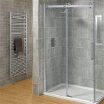 Vách kính nhà tắm vát góc giá rẻ