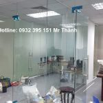 Thi công cửa kính cường lực tại văn phòng quận Gò Vấp